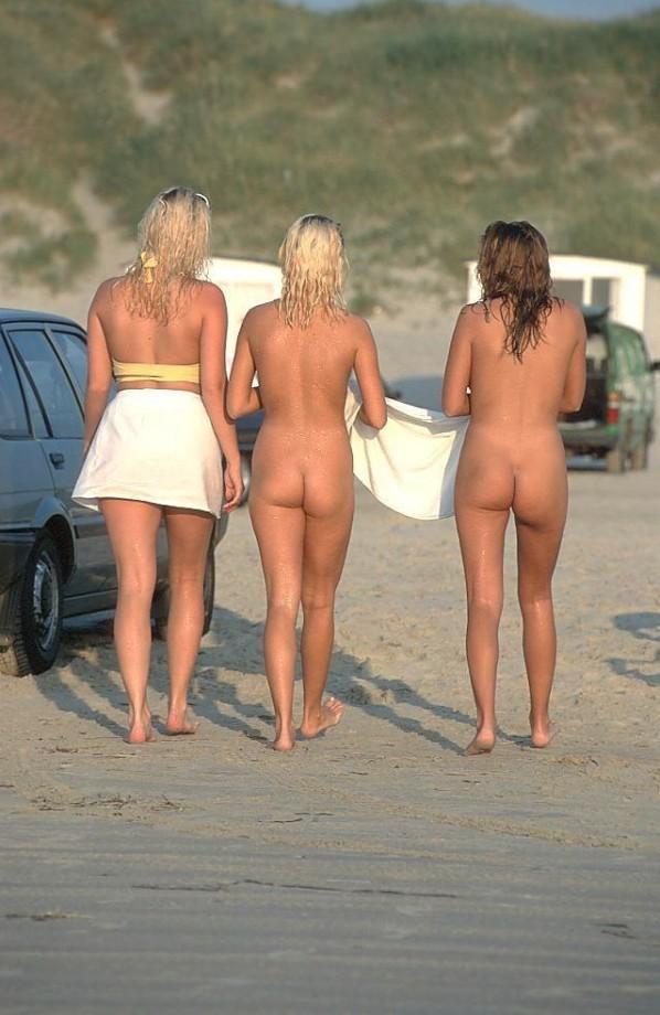 Девушки в отпуске
